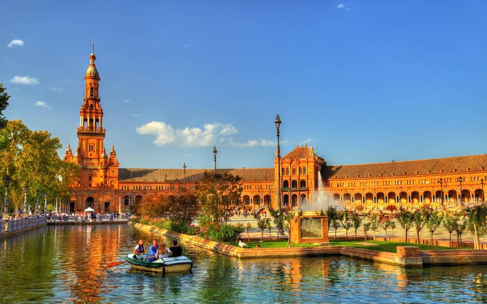 ¿Por qué el turismo triunfa tan fuerte en España?
